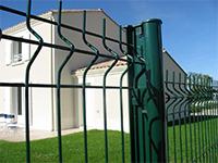 Táblás kerítés árvai kerítés