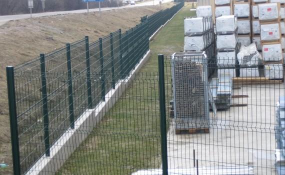 Táblás kerítés horganyzott + PVC Zöld