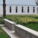 Kerti térelválasztó kerítés kőkosárból