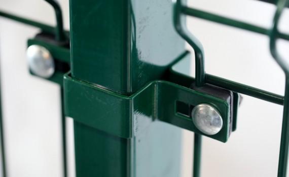 Táblás kerítés + bilincs